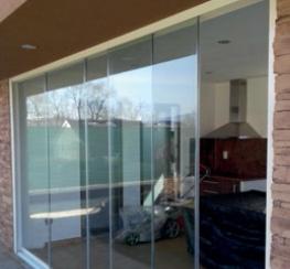 AluFlexi 10 - Bezrámové zasklení teras a balkonů