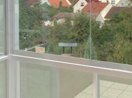 AluFlexi - Bezrámové zasklení teras a balkonů